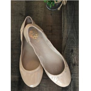 Vince Camuto flats size 6.5